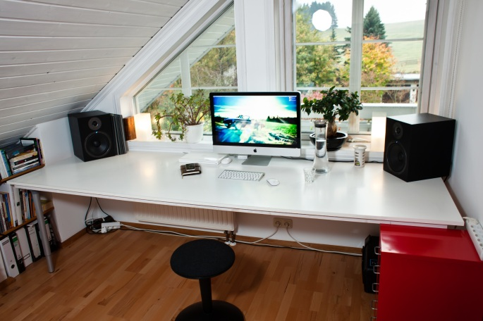 clean home desk